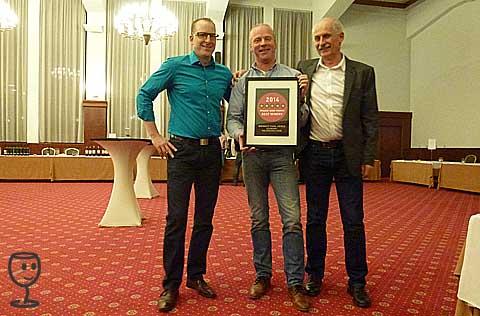 P1190396 Stefan Udo a S s diplomem