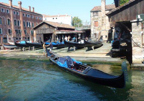 BL P1330774 Gondola v doku